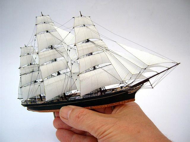 Cómo hacer soporte para maquetas de barcos
