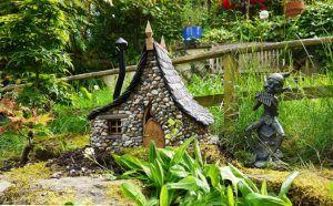 Maqueta de casa de piedra de estilo fantasía, para jardín