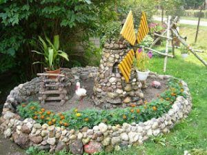 Maqueta de un molino de trigo, realizada con piedras