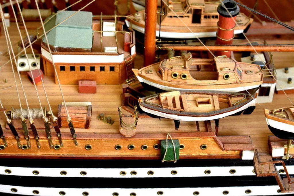 Cubierta de maqueta de barco
